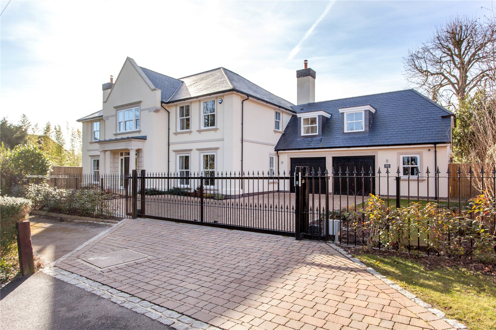 5 Bedrooms Detached House for sale in Normanstead, Henley-On-Thames, Oxfordshire, RG9