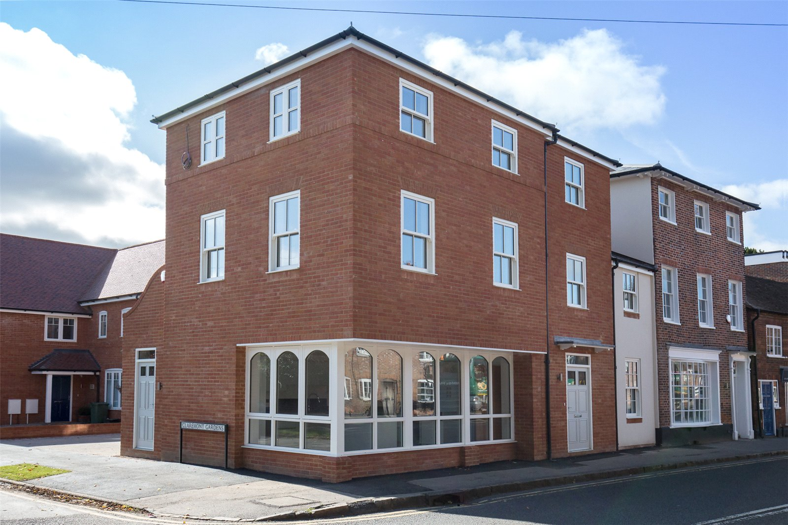 4 Bedrooms End Of Terrace House for sale in 52 Chapel Street, Marlow, Buckinghamshire, SL7