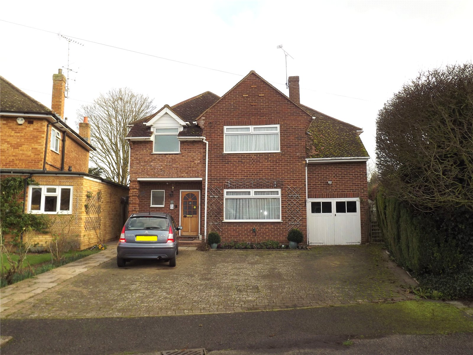 4 Bedrooms Detached House for sale in Hyde Green, Marlow, Buckinghamshire, SL7