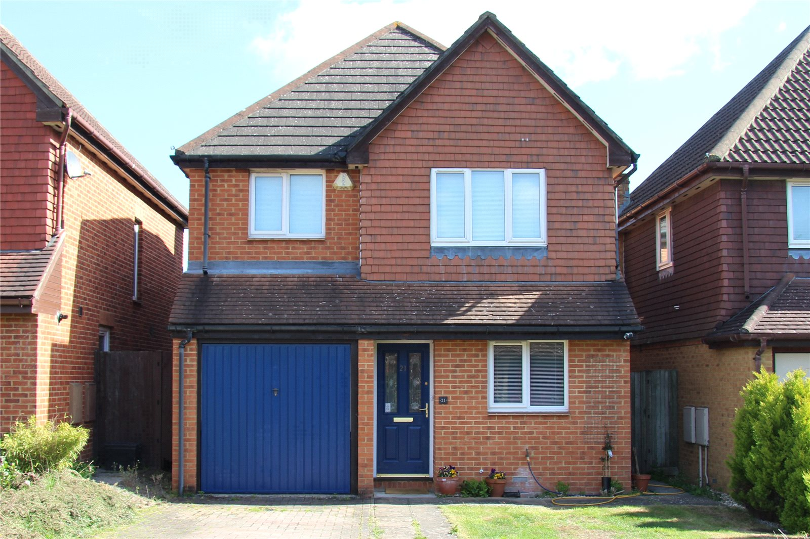 3 Bedrooms Detached House for sale in Hubbard Close, Twyford, Berkshire, RG10