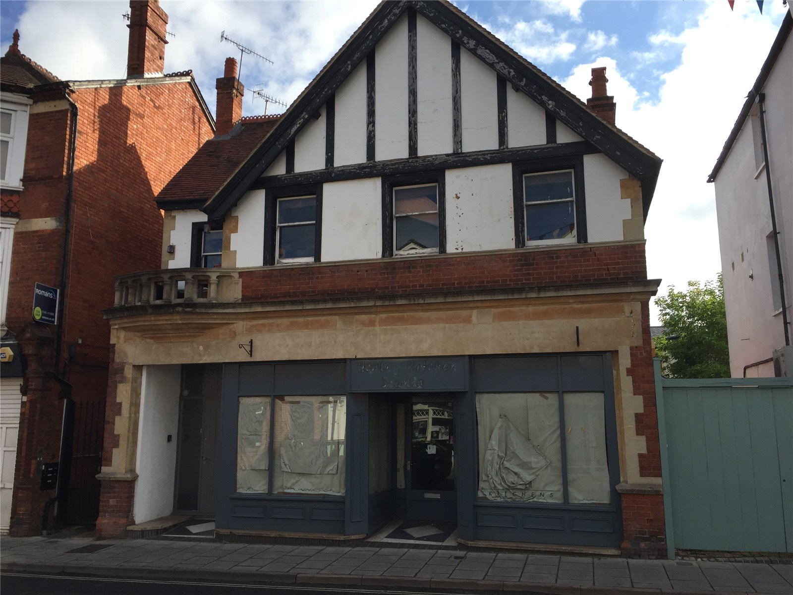 Retail Property (high Street) Commercial for sale in Reading Road, Henley-on-Thames, RG9