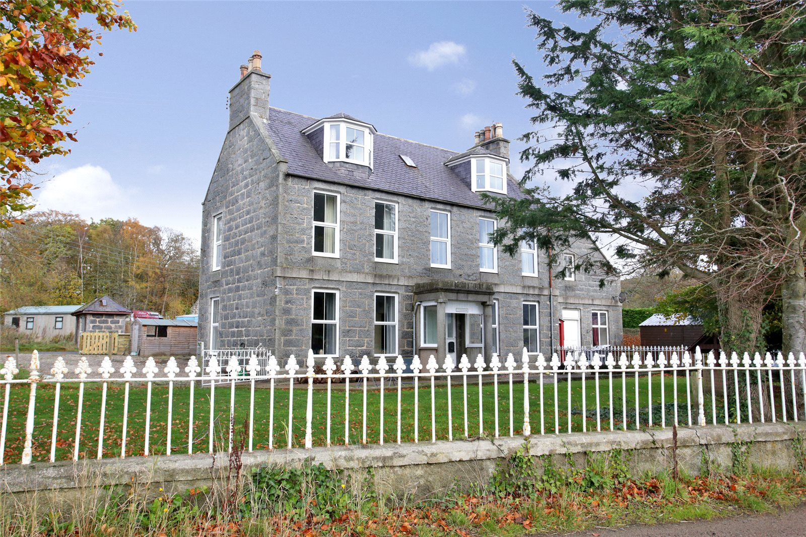 6 Bedrooms Semi Detached House for sale in Cherrybank, Whitehouse, Alford, Aberdeenshire, AB33