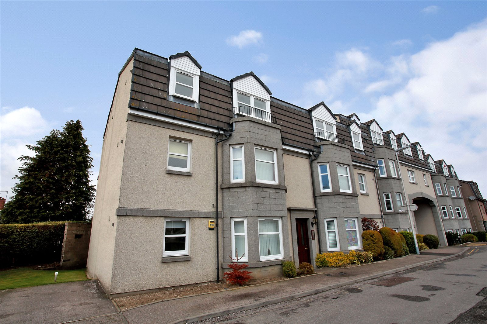 2 Bedrooms Apartment Flat for sale in 128 Margaret Place, Aberdeen, AB10