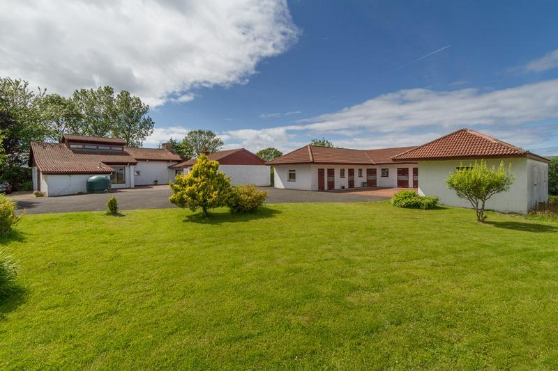 4 Bedrooms Detached House for sale in Knoweholm, Minishant, South Ayrshire, KA19