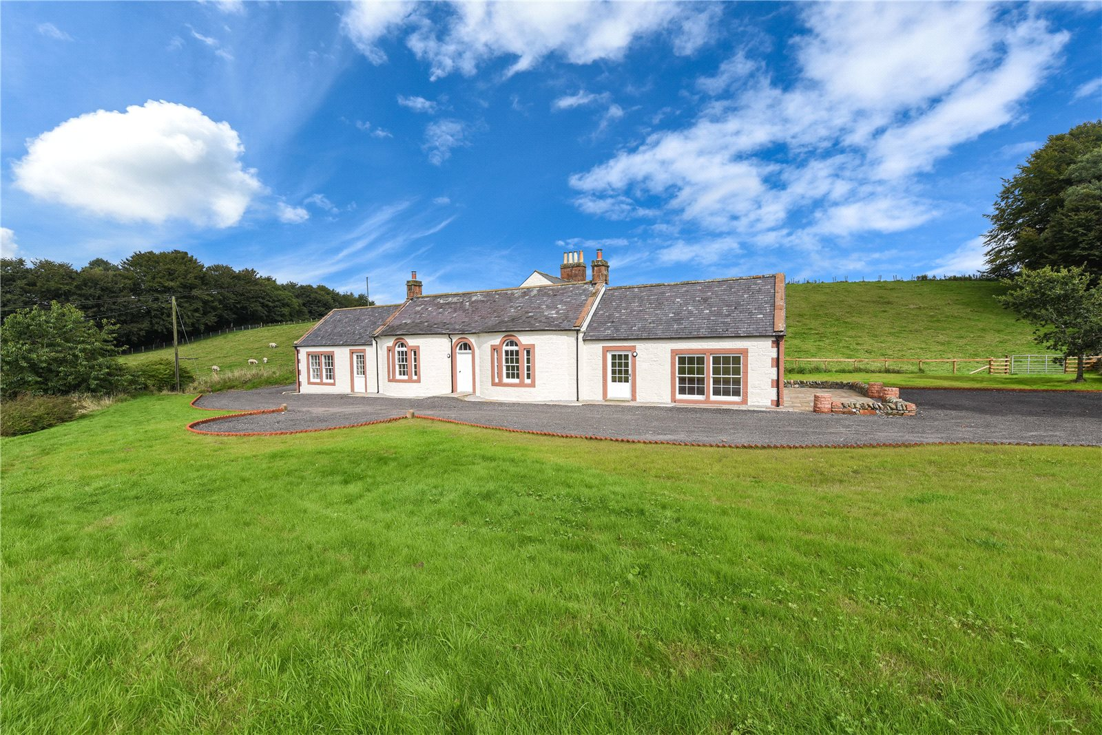 4 Bedrooms Detached House for sale in Rosebank Cottage, Thornhill, Dumfries and Galloway, DG3