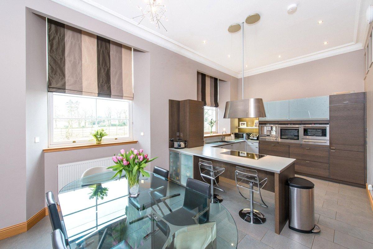 4 Bedrooms Terraced House for sale in 7 Walter Lumsden Court, Freuchie, Cupar, Fife, KY15
