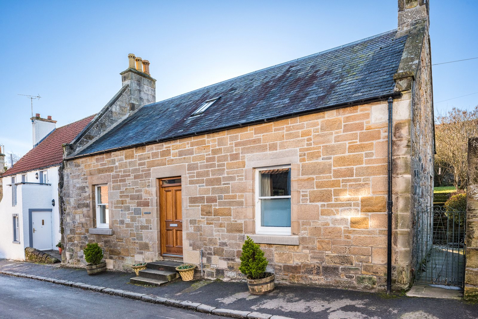 3 Bedrooms Detached House for sale in Stewart Cottage, High Street, Falkland, Cupar, Fife, KY15