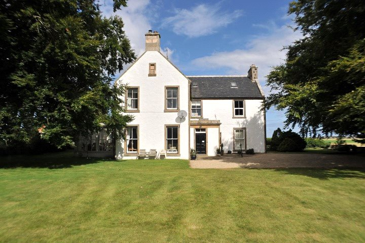 6 Bedrooms Detached House for sale in Ardivot Farm, Ardivot, Lossiemouth, Moray, IV31