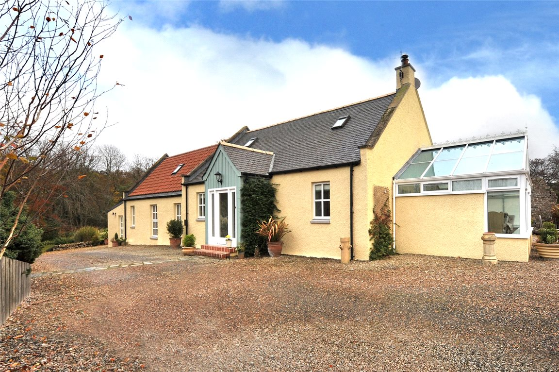 3 Bedrooms Detached House for sale in Ellyside Lodge, Lintmill, By, Cullen, Moray, AB56