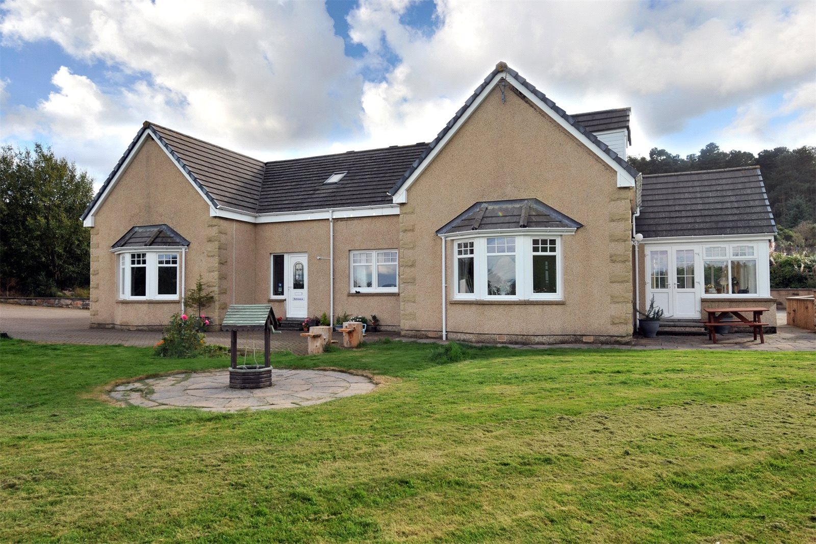 5 Bedrooms Detached House for sale in The Gables, Lettoch, Dufftown, Keith, Moray, AB55