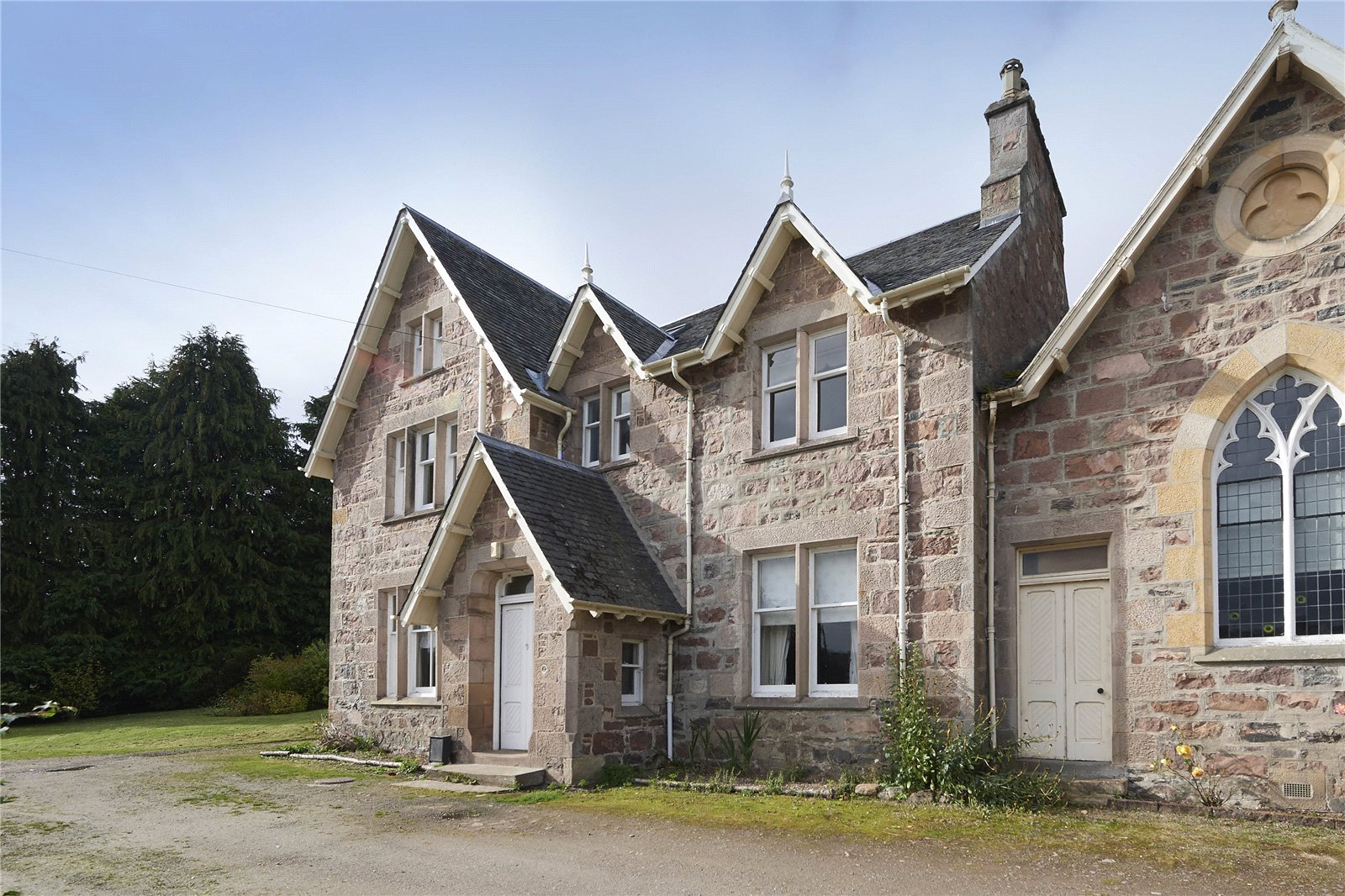 6 Bedrooms Semi Detached House for sale in The Manse, Lochend, Inverness, IV3