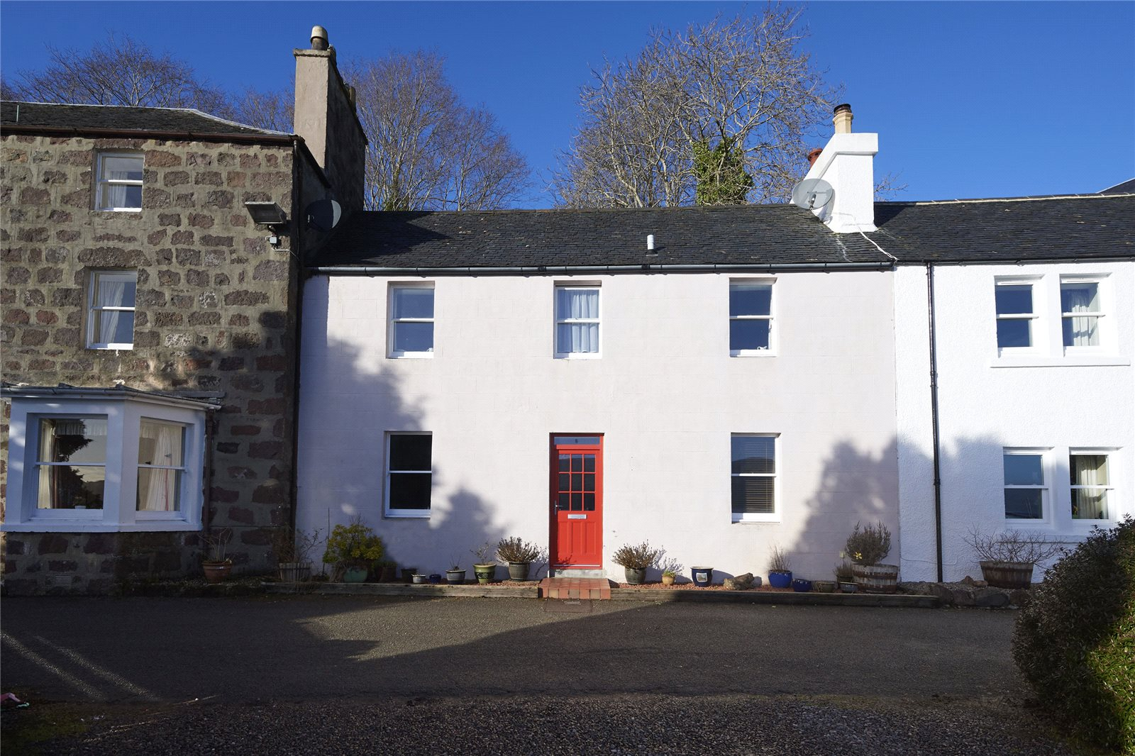 4 Bedrooms Terraced House for sale in Wave Crest, 6 Beaumont Crescent, Portree, IV51