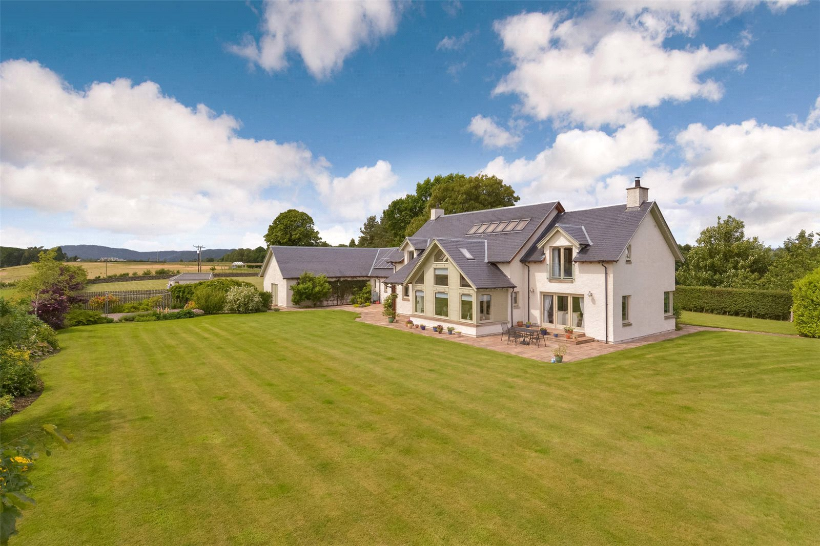 4 Bedrooms Detached House for sale in Balgreen, Stanley, Perth, Perthshire, PH1