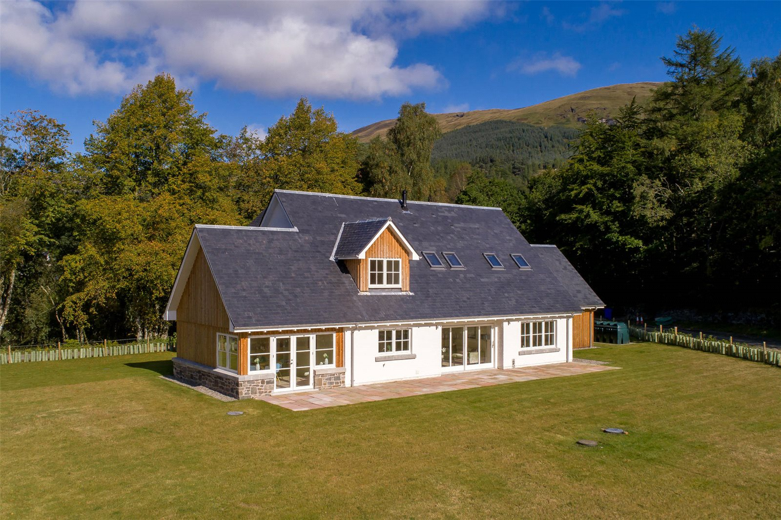 4 Bedrooms Detached House for sale in Stronvar Development Plot 10, Balquhidder, Lochearnhead, Stirlingshire, FK19