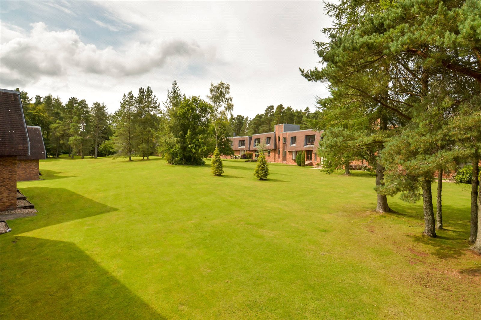 4 Bedrooms Apartment Flat for sale in 2 Glamis Court, Gleneagles Village, Auchterarder, Perthshire, PH3