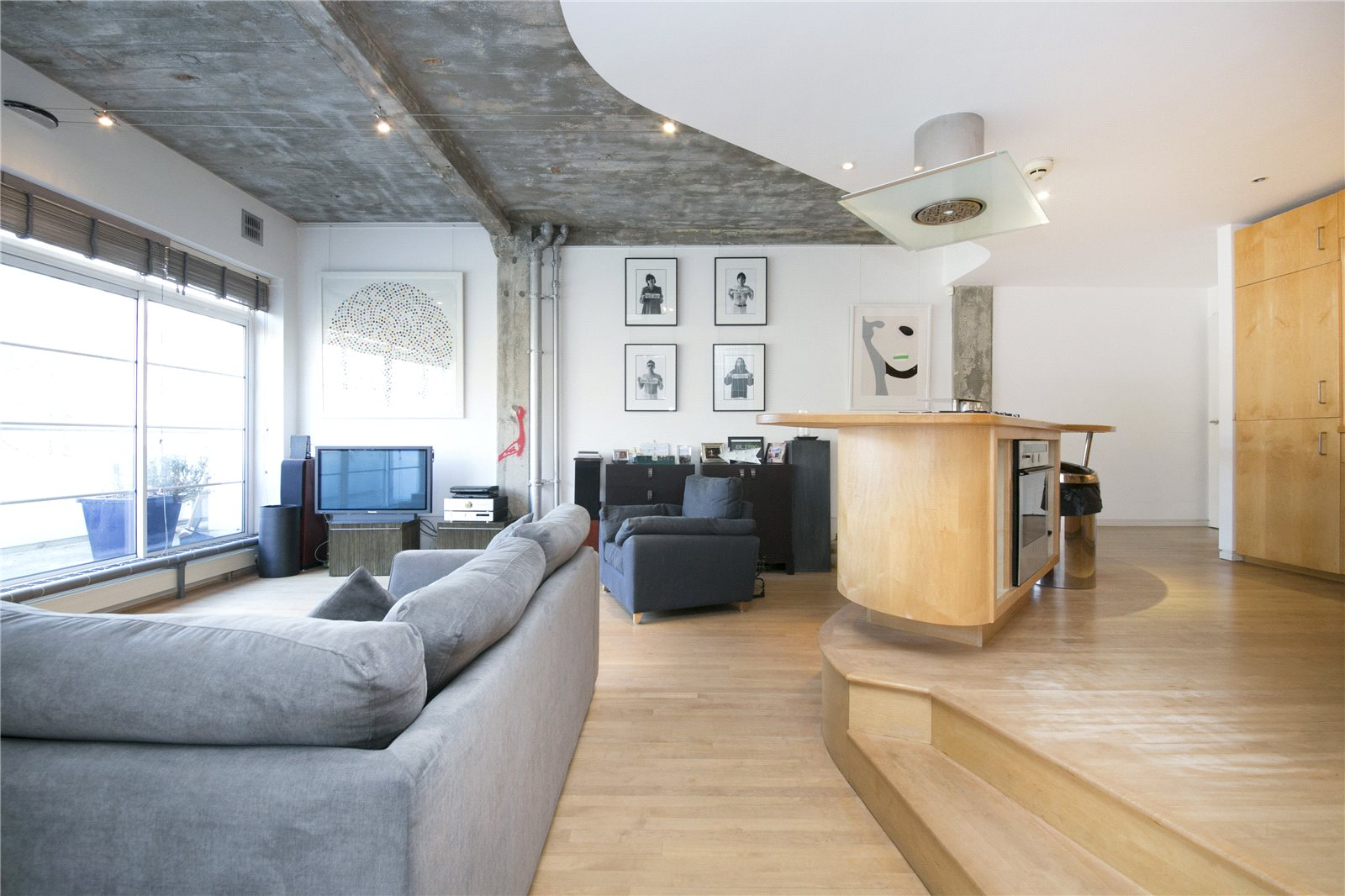 2 Bedrooms Flat for sale in St John Street, Clerkenwell, EC1V