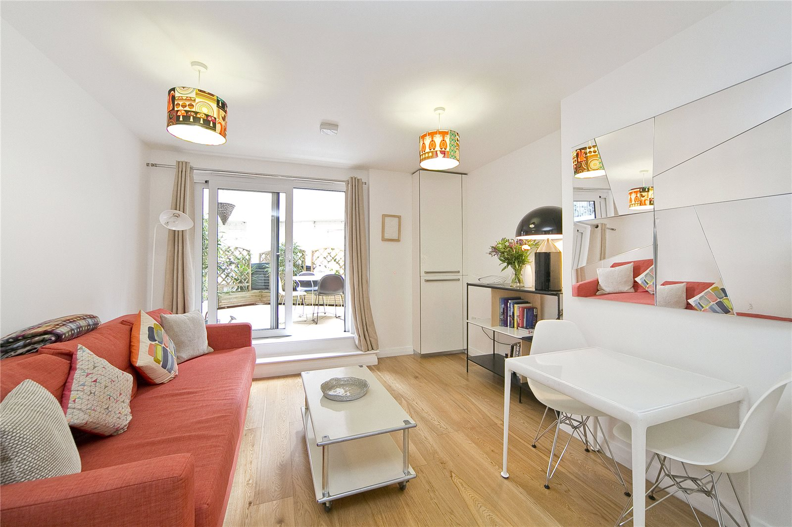 1 Bedroom Flat for sale in Cresset Road, South Hackney, E9