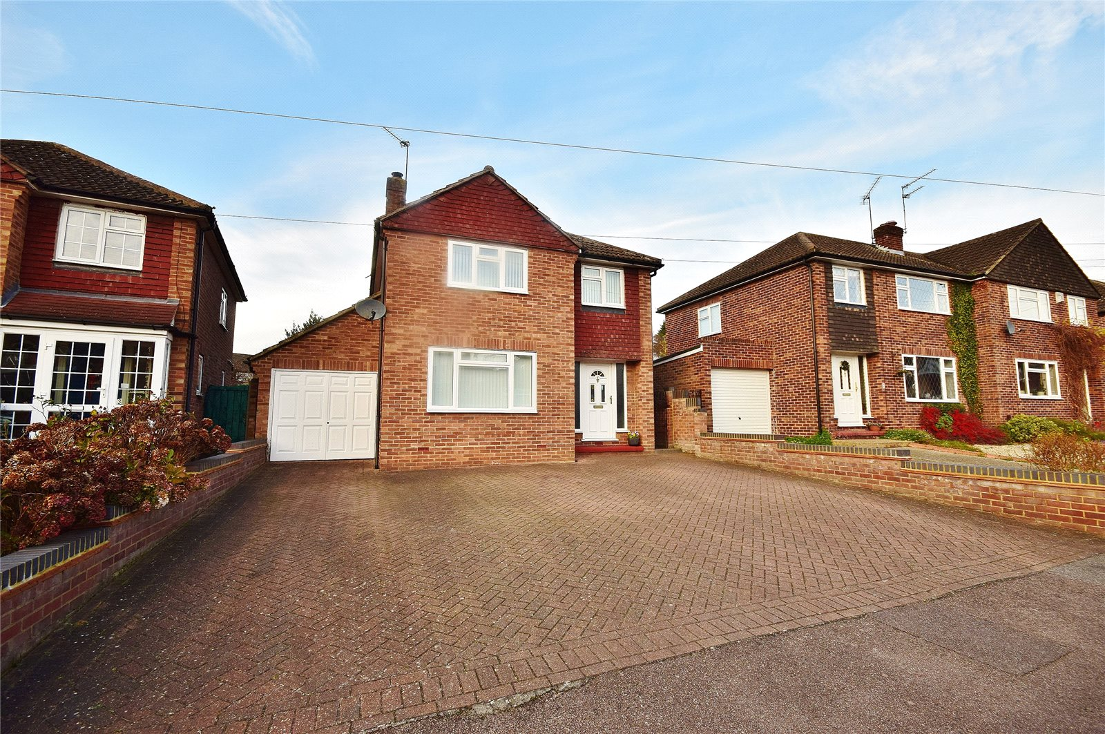 3 Bedrooms Detached House for sale in Bishop's Stortford