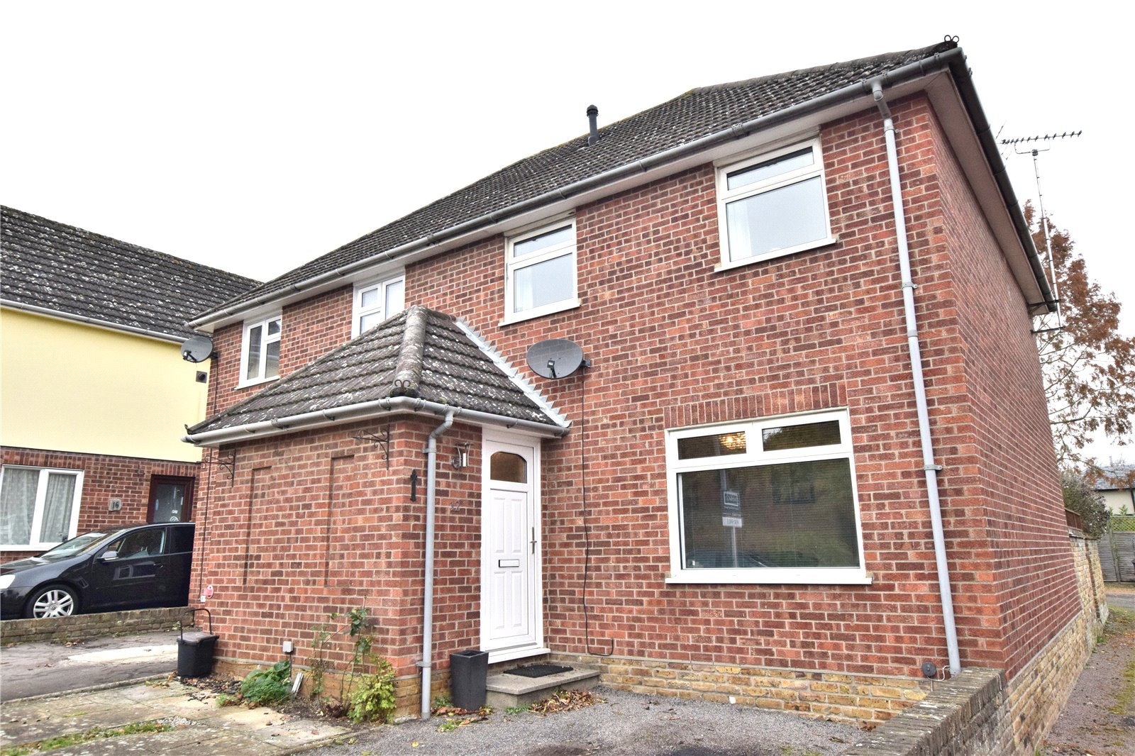 2 Bedrooms Semi Detached House for sale in Great Dunmow