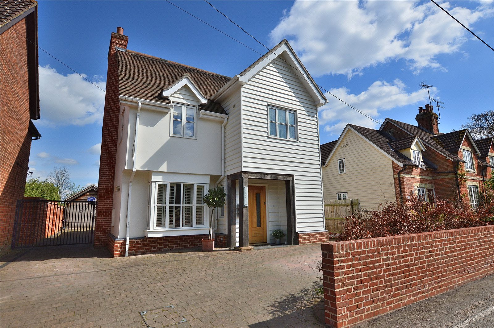5 Bedrooms Detached House for sale in The Street