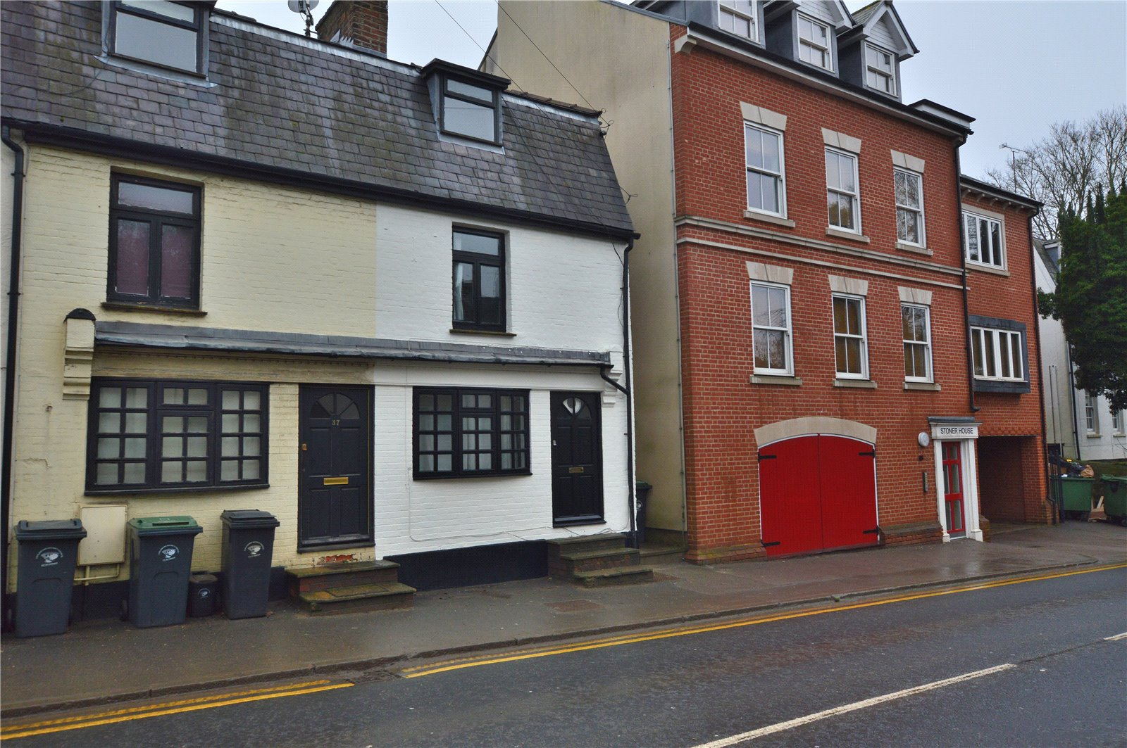2 Bedrooms End Of Terrace House for sale in Stansted