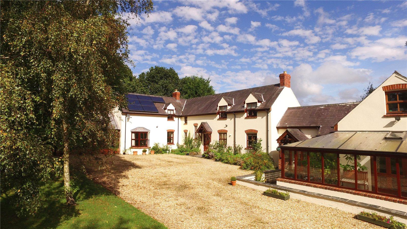 7 Bedrooms Detached House for sale in Brynsiriol, Llechryd, Cardigan, Ceredigion