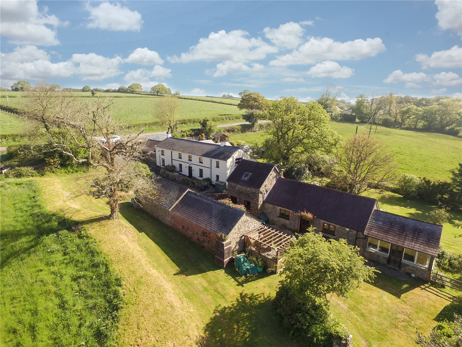 4 Bedrooms Detached House for sale in Cae'rmaenau-Fach, Llanddewi Velfrey, Narberth, Pembrokeshire