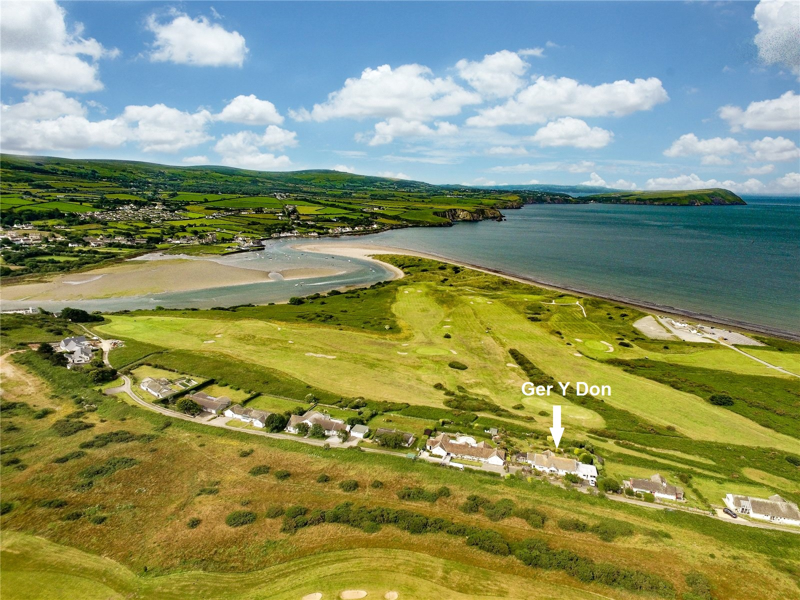 5 Bedrooms Detached Bungalow for sale in Ger Y Don, Golf Course Road, Newport, Pembrokeshire