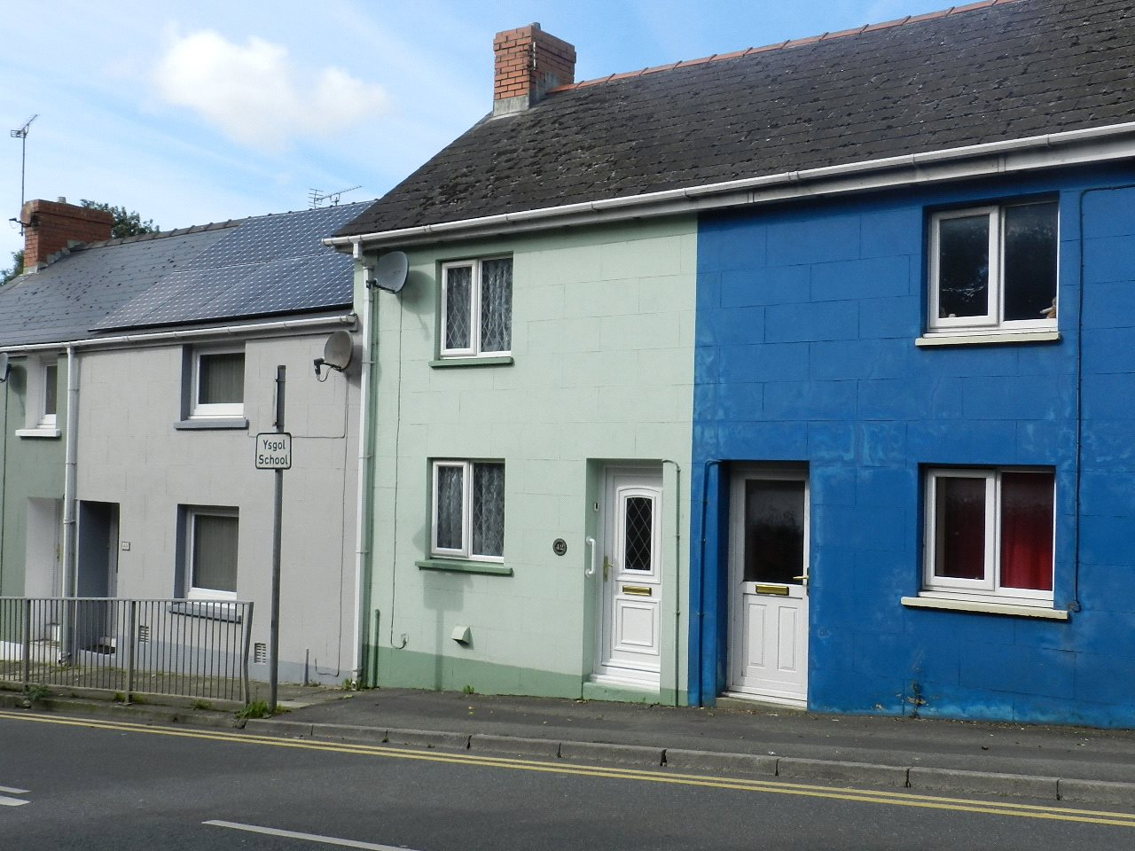 2 Bedrooms Terraced House for sale in Prendergast, Haverfordwest, Pembrokeshire