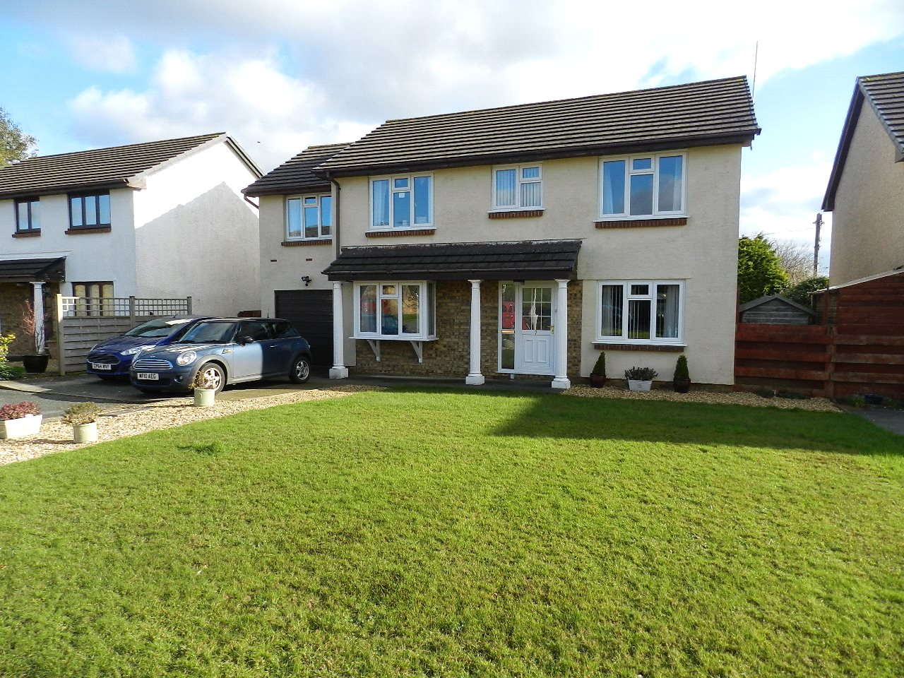 4 Bedrooms Detached House for sale in Heritage Park, Haverfordwest, Pembrokeshire