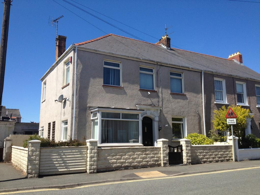 4 Bedrooms End Of Terrace House for sale in Waterloo Road, Hakin, Milford Haven