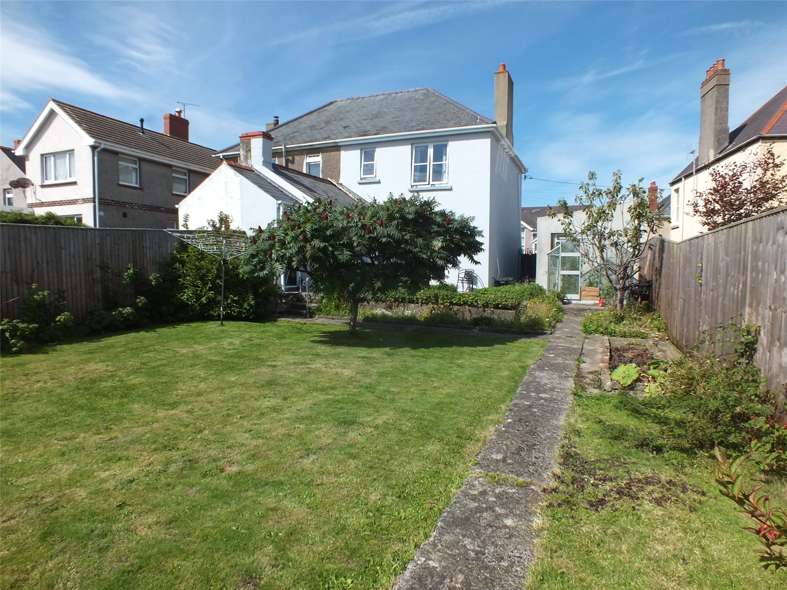 3 Bedrooms Semi Detached House for sale in Yorke Street, Milford Haven, Pembrokeshire