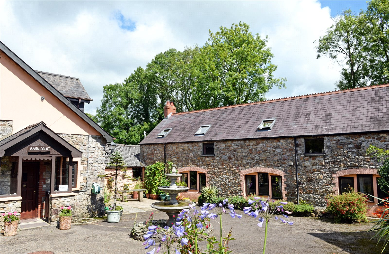 8 Bedrooms Detached House for sale in Barn Court, Templeton, Narberth, Pembrokeshire