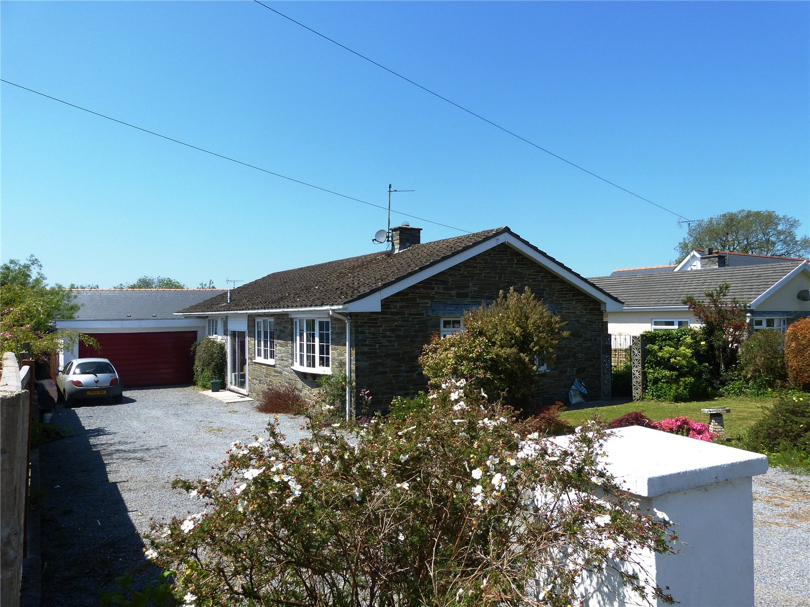 4 Bedrooms Detached Bungalow for sale in Lorien, Ludchurch, Narberth, Pembrokeshire