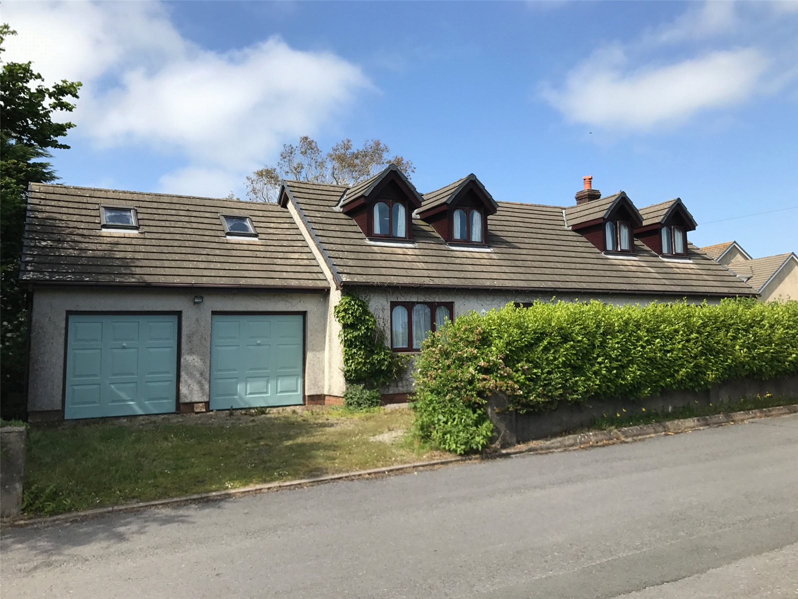 3 Bedrooms Detached Bungalow for sale in Quarry Park, Ludchurch, Narberth