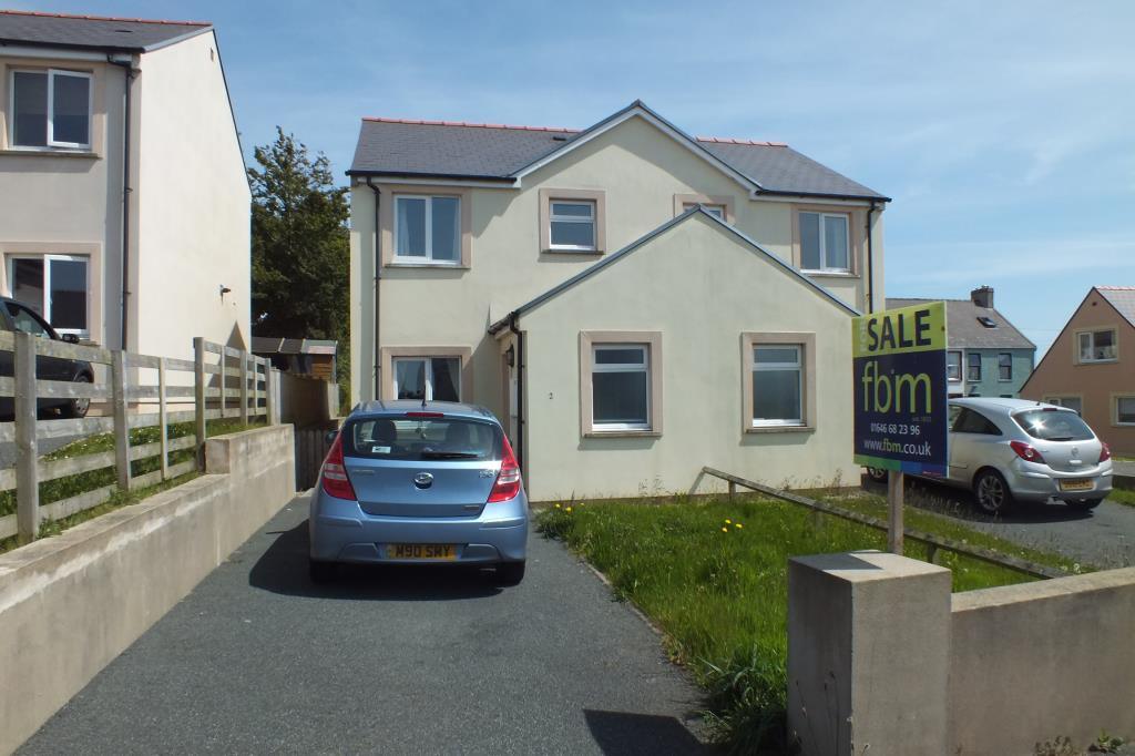 3 Bedrooms Semi Detached House for sale in Ridge View Close, Pennar, Pembroke Dock