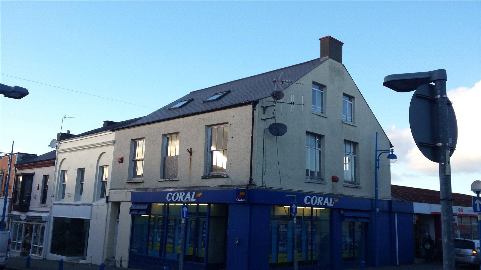 2 Bedrooms Flat for sale in Flat 2, Dimond Street, Pembroke Dock, Pembrokeshire