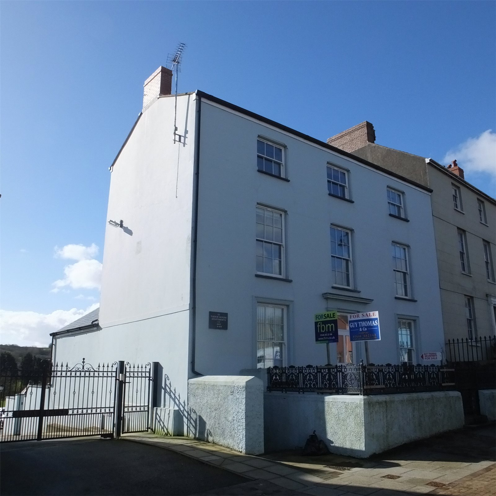 6 Bedrooms Flat for sale in Flats 2-5, Tudor House, 115 Main Street, Pembroke