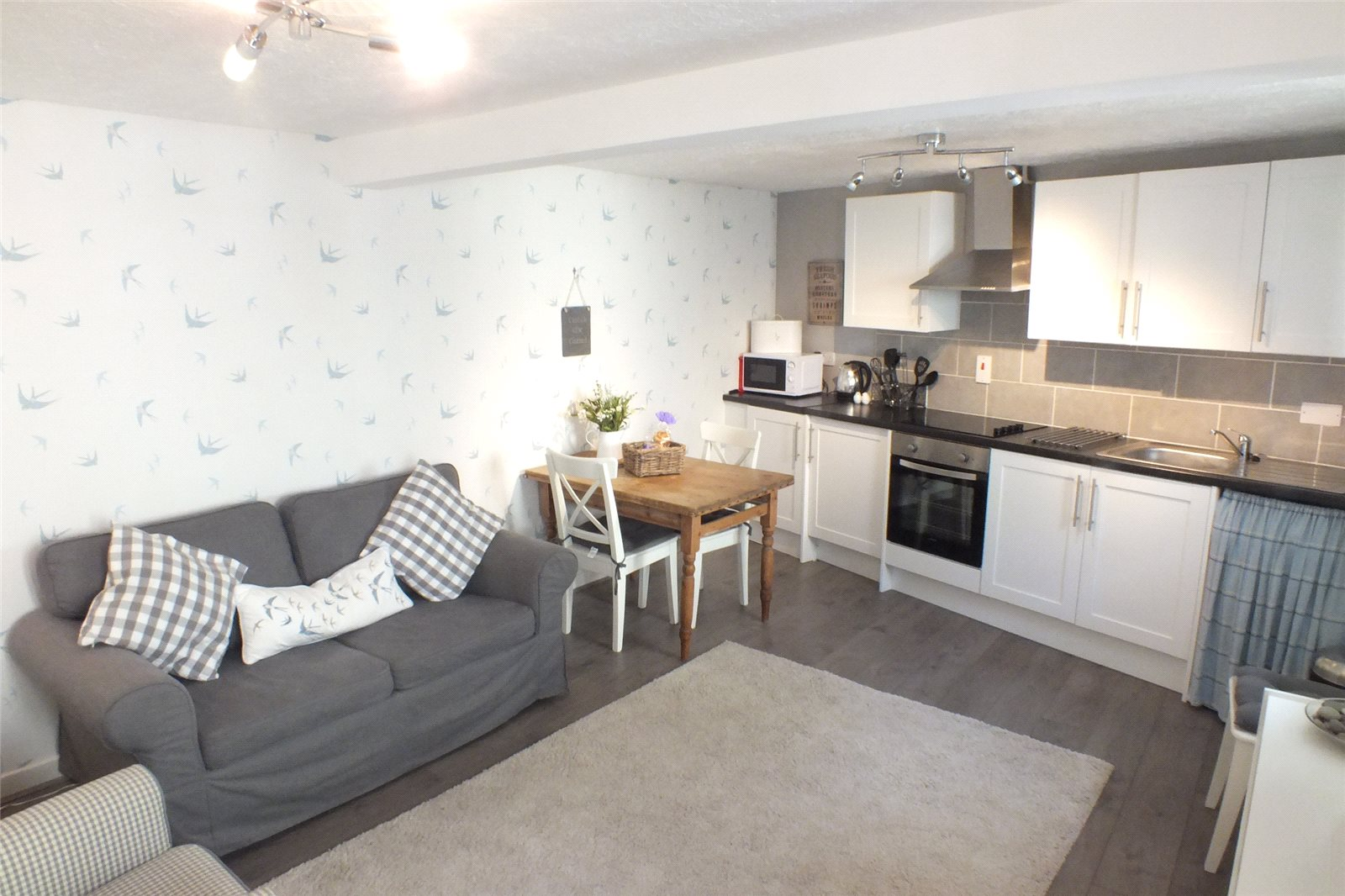 1 Bedroom Flat for sale in Priory Cottage, Westgate House, The Parade, Pembroke