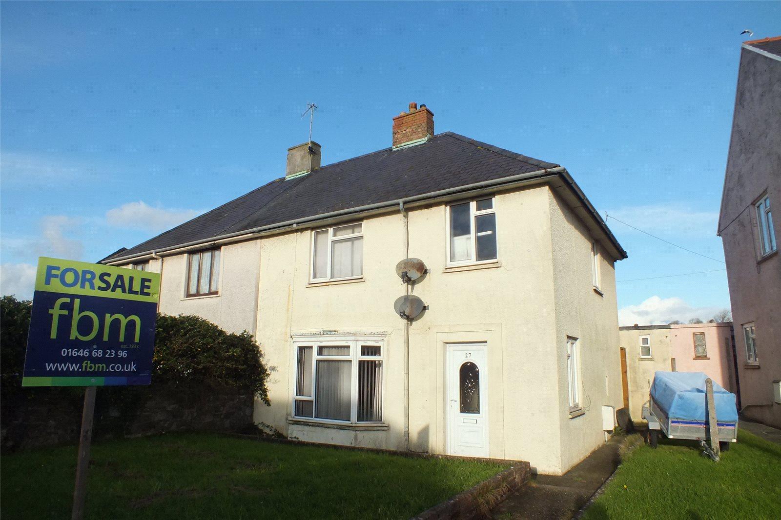 3 Bedrooms Semi Detached House for sale in St Annes Crescent, Pembroke, Pembrokeshire