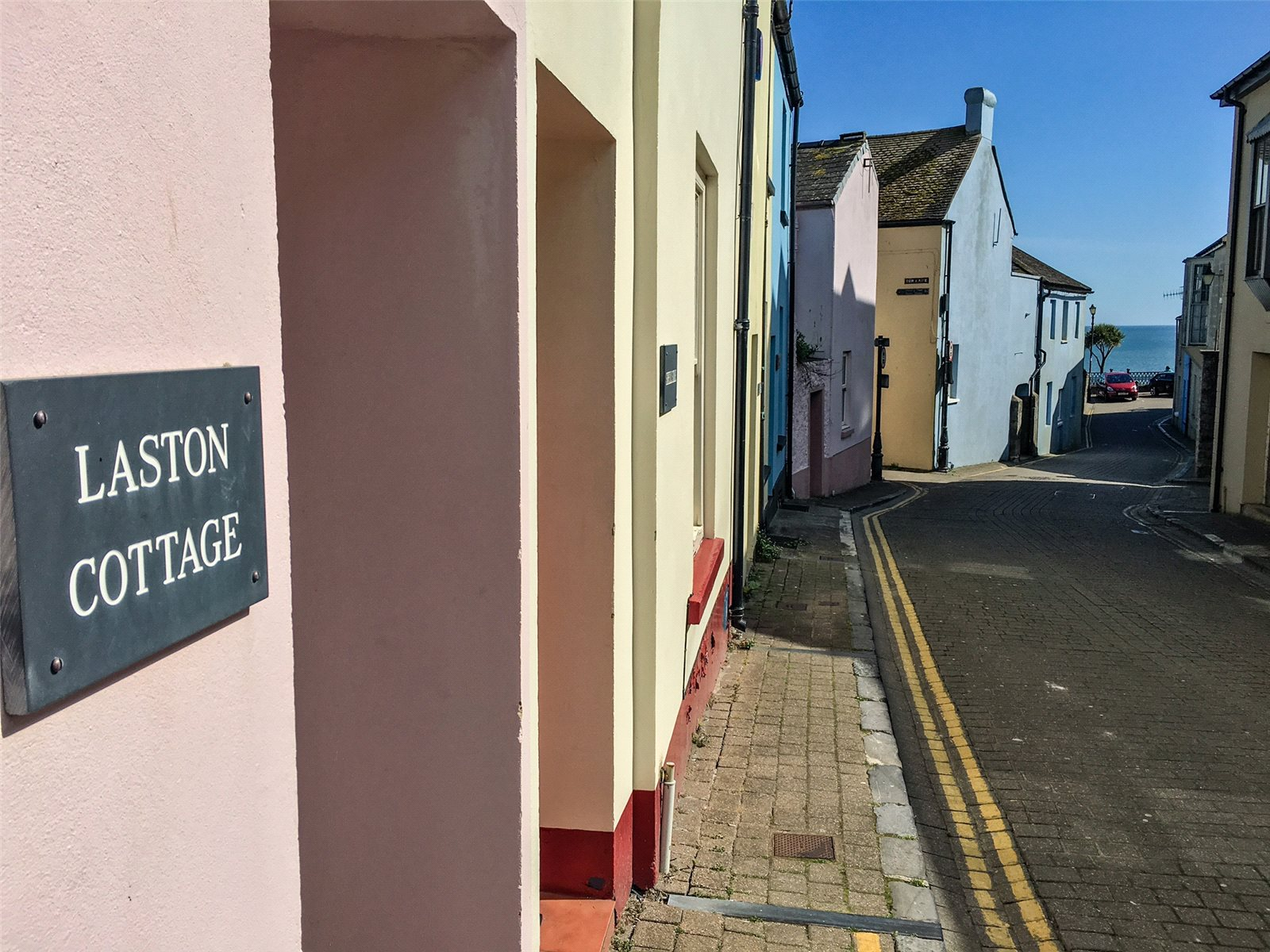 3 Bedrooms Terraced House for sale in Laston Cottage, Cresswell Street, Tenby, Pembrokeshire
