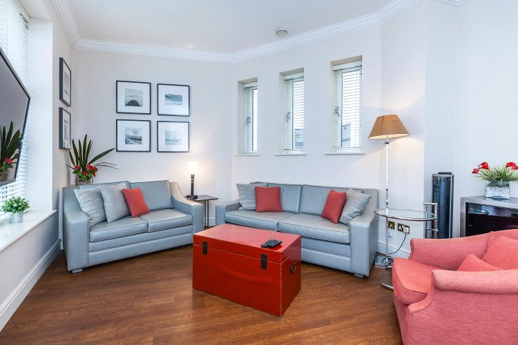 2 Bedrooms House for sale in Trinity Square, London, EC3N