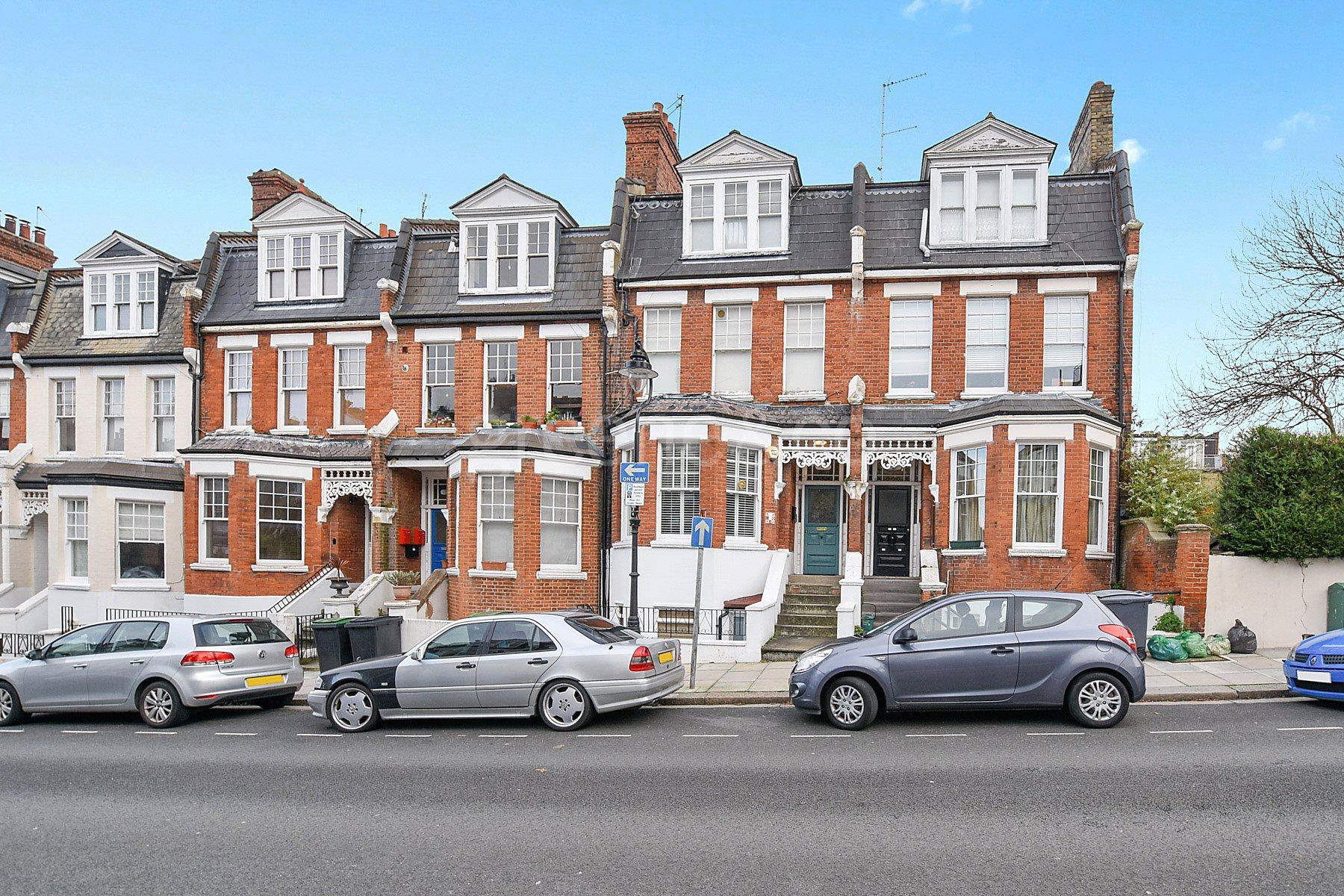 3 Bedrooms Flat for sale in Milton Avenue, Highgate, London, N6