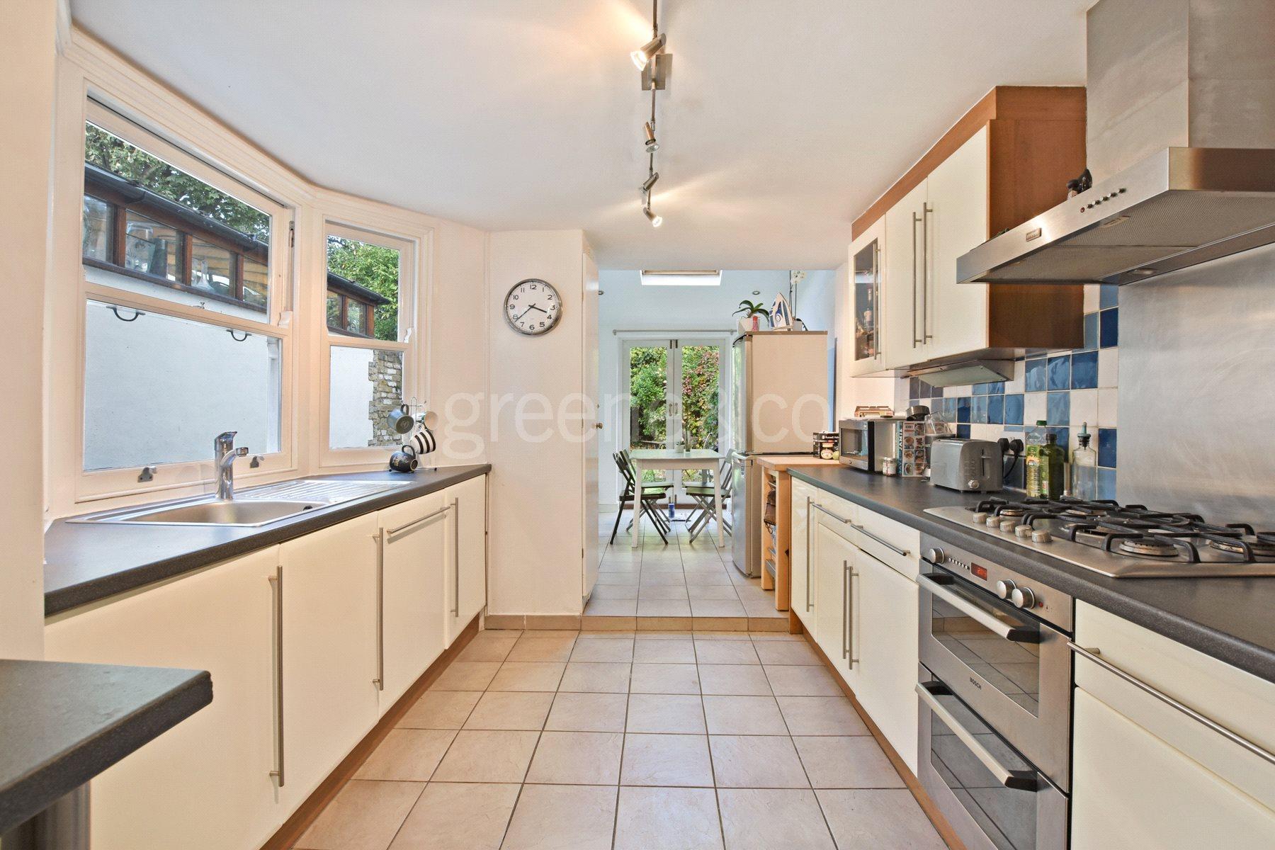 3 Bedrooms Terraced House for sale in Bracey Street, Stroud Green, London, N4