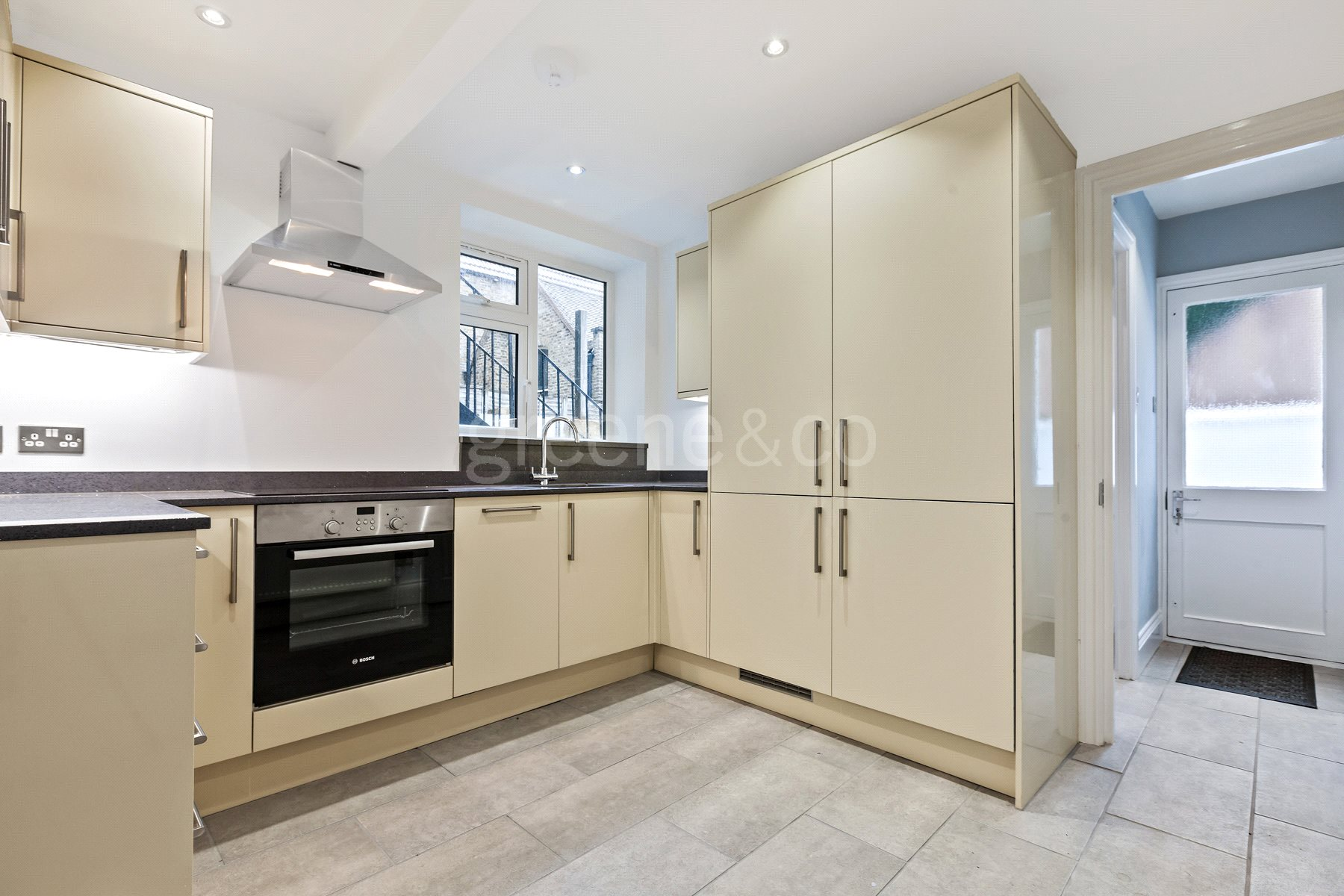 1 Bedroom Flat for sale in Womersley Road, Crouch End, London, N8
