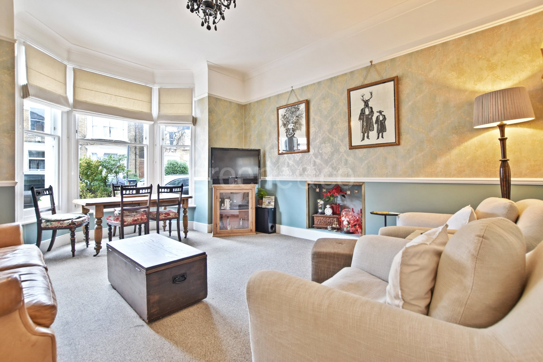 2 Bedrooms Flat for sale in Dyne Road, London, NW6