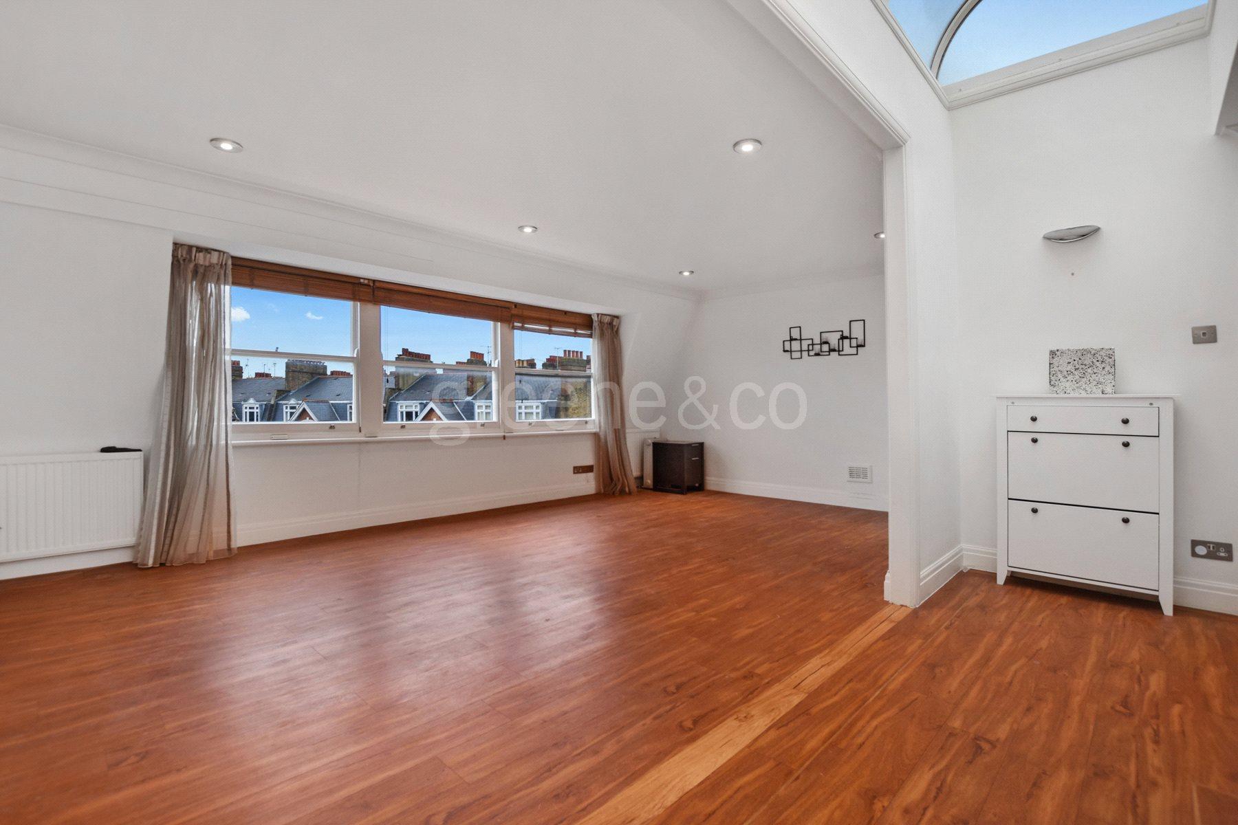 2 Bedrooms Flat for sale in Westside Court, Elgin Avenue, London, W9