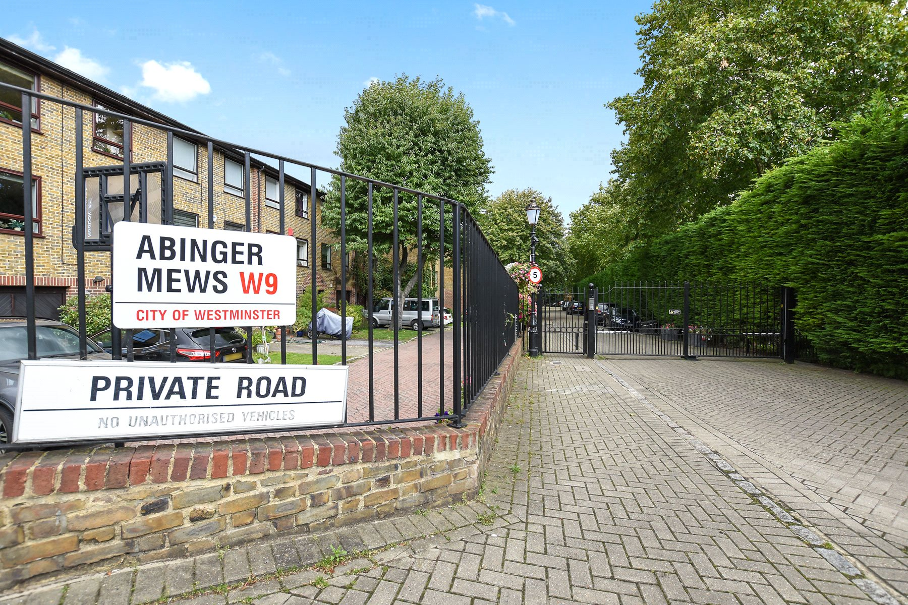 4 Bedrooms House for sale in Abinger Mews, Maida Vale, London, W9
