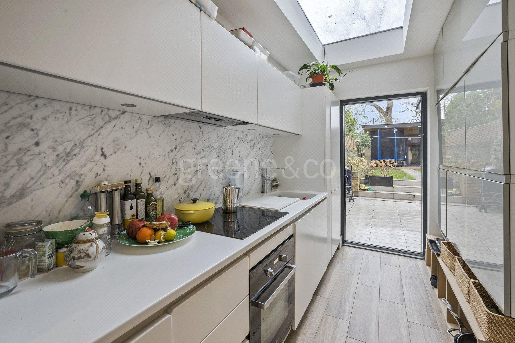 1 Bedroom Flat for sale in Kilburn Park Road, Kilburn Park, London, NW6