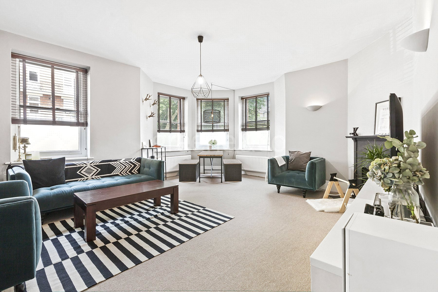 2 Bedrooms Flat for sale in Castellain Mansions, Castellain Road, London, W9